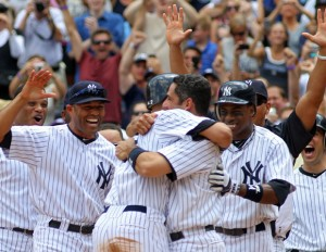 derek-jeter-scores-3000th-hit-fan-returns-ball